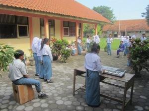 Nasionalisme: salah satu kelompok menampilkan lagu Indonesia Pusaka
